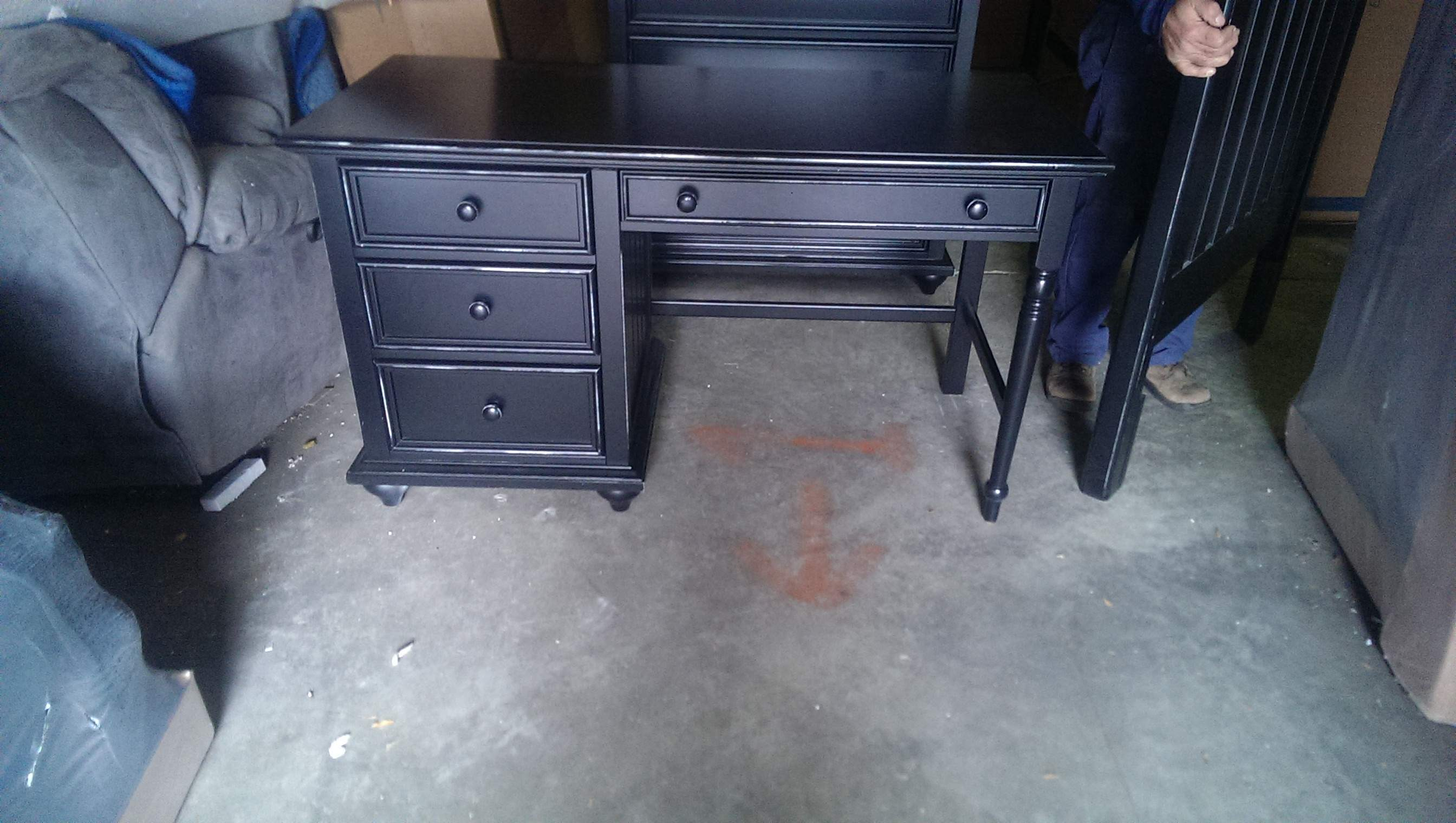 Group Includes Twin Bed Desk Hutch Chest And Bookcase Last Opportunity To Young America Furniture At Below Cost